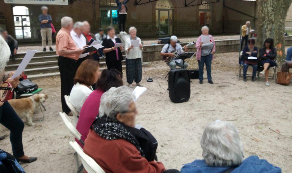 Sortie Chant de La Croisée avec les habitants de Saint Gilles