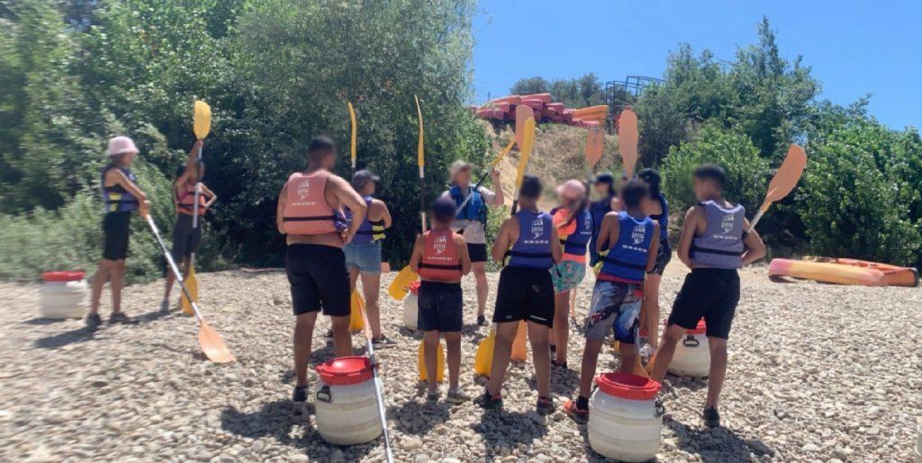 Après midi canoë avec l'équipe Jeunesse du centre social et culturel de Saint Gilles.